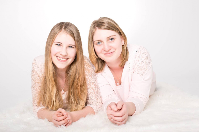 beste freundinnen bestfriends shooting stilmoment ihr stilvolles fotostudio in erfurt. Black Bedroom Furniture Sets. Home Design Ideas
